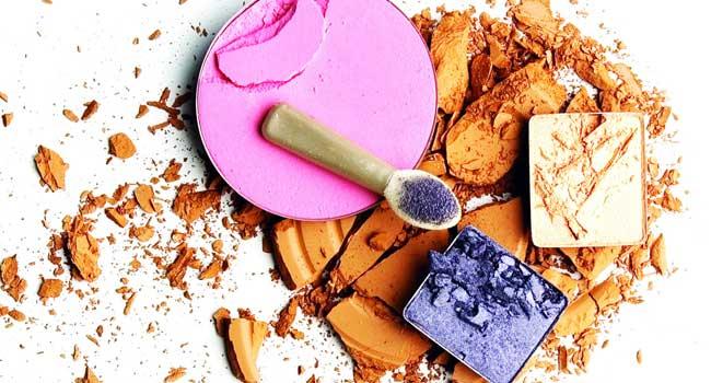 Кои вредни съставки в ежедневната козметика трябва да избягвате?