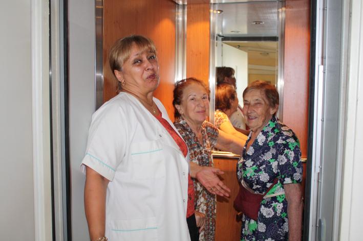 Грижа за възрастни хора в уютна обстановка | MG Life
